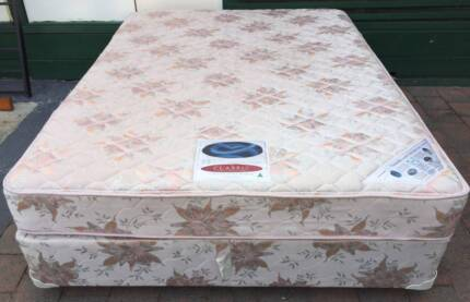 Excellent condition Sealy Brand queen bed set for sale