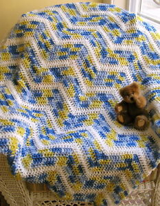 chevron-CROCHET-BABY-BLANKET-AFGHAN-wrap-zig-zag-HANDMADE-RIPPLE-blue-STRIPES