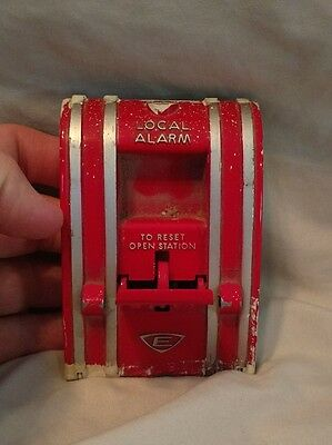 Edwards 270a Spo Fire Alarm Pull Down Station Red Wall Mounting Metal Plate