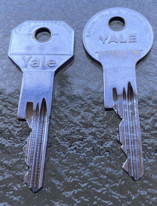 Rolls Royce Silver Shadow Keys Original Yale Numbered Key Set Bentley Keys