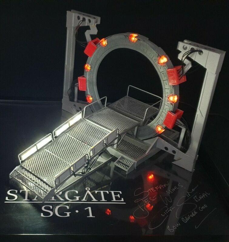 Stargate SG1 - Gate Room Diorama Model Prop Atlantis PRO BUILT AND LIGHTING