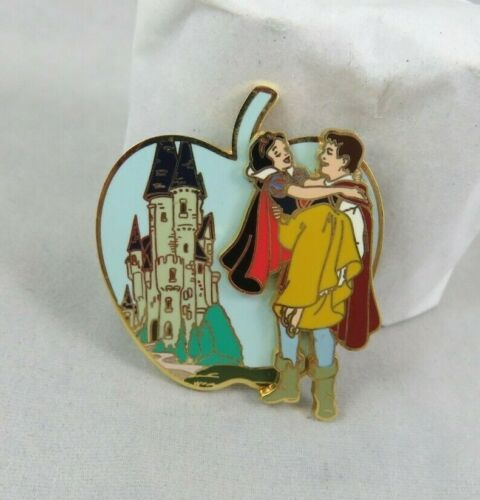 Disney Disneyland Pin - Snow White with Prince Carrying Her - Castle - Apple