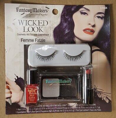 Halloween Look Makeup (Wet n Wild Fantasy Makers Wicked Look Femme Fatale Halloween make up Kit)