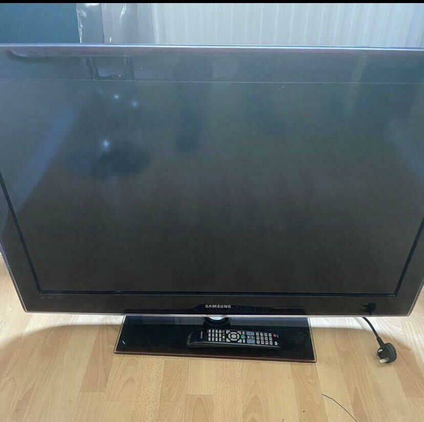 "Samsung 40"" Full HD 1080p Freeview LCD TV. Model Number"