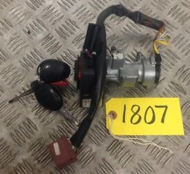 LAND ROVER DISCOVERY 2 IGNITION BARREL SWITCH AND KEYS - YW1100010