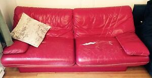 Vintage 70s leather couch!