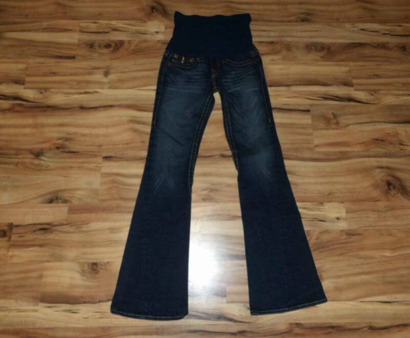 womans maternity jeans 27 4 True Religion pants A Pea in the Pod boot or flare ?