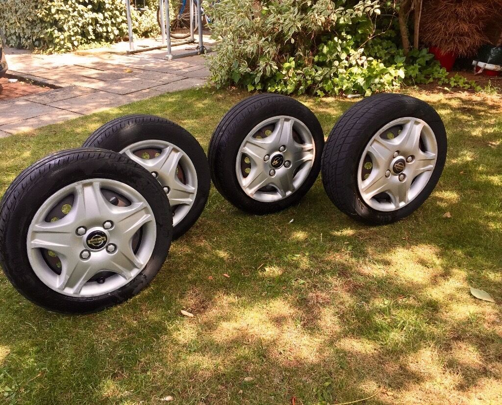 Nissan Micra Wheels with Tyres