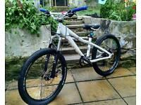 Kona cowan 2-4 jump mtb bike