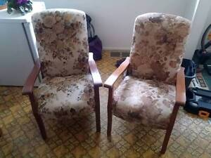 2 sitting chairs Yowie Bay Sutherland Area Preview