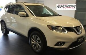 2015 Nissan Rogue SL AWD NAVIGATION Leather Heated Front Seats,