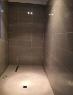 PROFESSIONAL & CHEAP TILING SERVICES