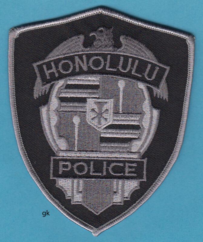 HONOLULU HAWAII  POLICE SUBDUED  SHOULDER PATCH  (Black)
