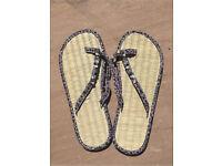 Accessorize flip flops 5-6