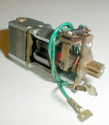 Revell Pittman Racing Motor for In-Line Chassis Slot Car Green Wire Vintage NOS