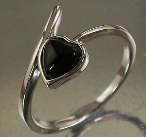 Sterling-Silver-Ring-with-a-black-Onyx-Love-Heart-Design-US-Size-7-AU-N-1-2