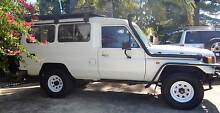 Toyota LandCruiser with long range tanks, 2 spares and 2way radio Sorrento Joondalup Area Preview