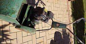 """14"""" Briggs and Stratton Motor Roller Mower Kinross Joondalup Area Preview"""