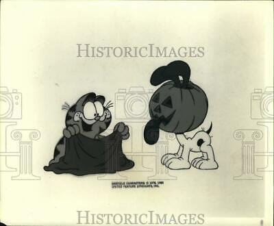 Garfield Halloween Photos (1978 Press Photo Garfield, Odie in