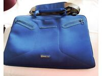 BLUE EVECASE LAPTOP BAG.