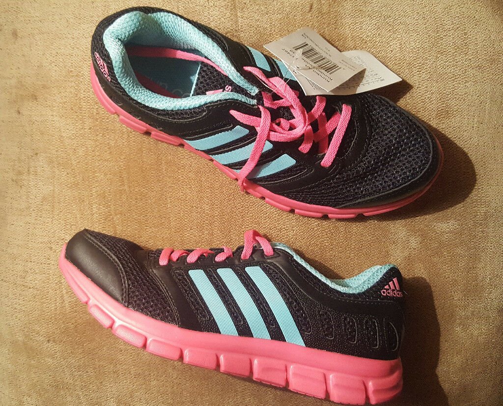 Adidas run cool trainers brand new in cotton storage bag