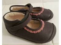 Clarks first soft shoes size 5H.