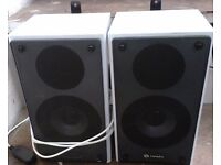 WHITE SPEAKERS FOR APC,TV OR WITH MOBILE PHONE