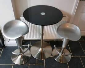 Bar stools & table black & silver