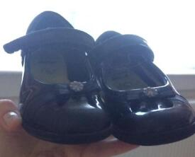 Clarks girls shoes 10F good condition collect Leven