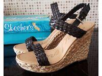 New & Boxed - Skechers Black Wedge Heel Sandals - Size 8
