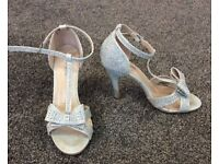 Bridal/prom shoes size 4