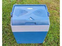 Adventurige Camping fridge / coolbox 12V/240V