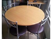 Kitchen / Small dining table + 4 chairs