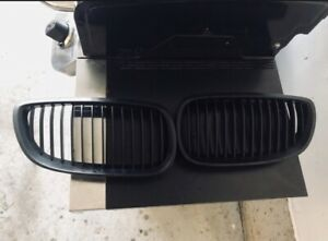 BMW OEM KIDNEY GRILLS E92 E93 DIPPED BLACK NEED GONE ASAP!
