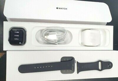 Apple Watch Series 5 40mm Space Grey Aluminium Case with Black Sport Band