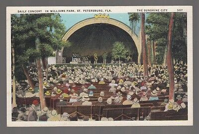 [49552] OLD POSTCARD DAILY CONCERT IN WILLIAMS PARK, ST. PETERSBURG, FLORIDA