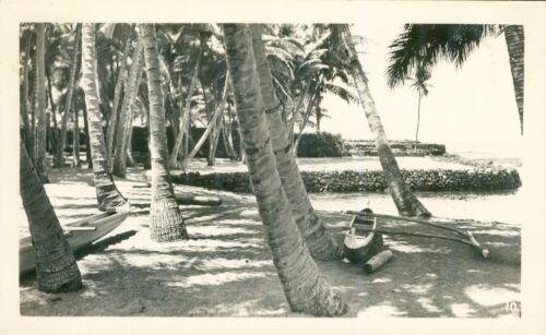 1940  Puuhonua O Honaunau, City of Refuge, Hawaii photo