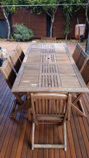 Outdoor table (extendable) PLUS 8 x folding chairs Petersham Marrickville Area Preview