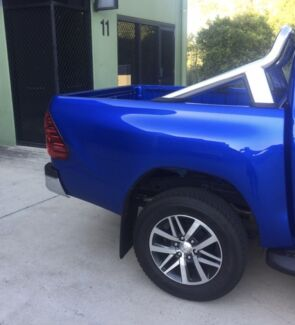 2017 hilux tub and top and rear bar