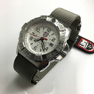 Men's Luminox Navy SEAL Steel Diver's 200 m WR Watch 3257