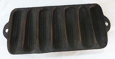 Vintage cast iron wagner ware corn pan USA
