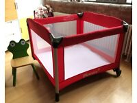Joovy Room2 Playard - Spacious Playpen - Excellent condition