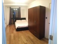 Modern double en-suite room by Canada Water/Surrey Quays