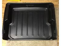 BMW high wall, heavy duty trunk box, excellent condition.X5