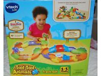 TOOT TOOT ANIMAL TRACK SET, FOREST FUN, CHICKEN COOP & 2 ANIMALS (CHICKEN & BEAR) ALL FOR £15