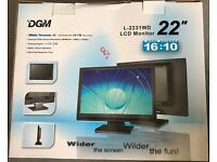 "22"" DGM WIDESCREEN LCD monitor excellent condition"
