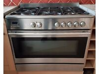 Baumatic 5 hob range cooker with extractor fan hood