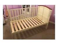 Baby to toddler Cot bed