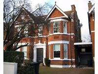 1 Bedroom Flat in Woodville Gardens, Ealing W5 2LN