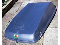 Halfords-branded car roof box, full car width, 50 kg capacity